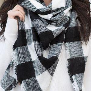 Wilfred Free Aritzia checkered blanket scarf